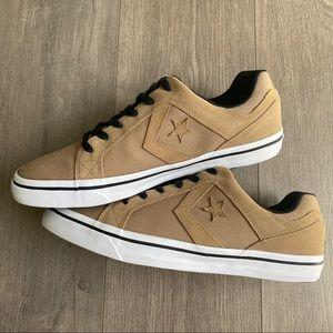 Converse Shoes - NWT Converse Distrito OX